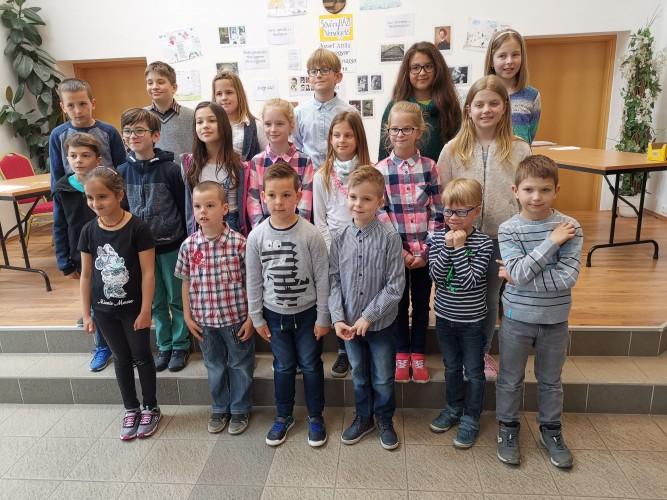 Ügyesen szavaltak a gyerekek a verselgetőn