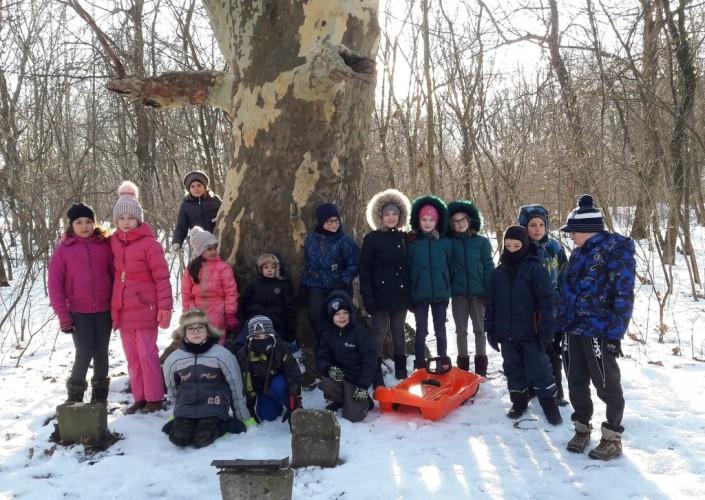 A Fehér-tóhoz túráztak az általános iskolások