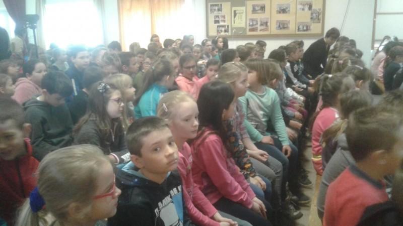 Iskolások – barkácsolás, színdarab a tavaszi szünet előtti utolsó napon