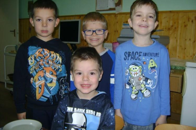 Németh Mátét köszöntötték az óvodában 6. születésnapja alkalmából