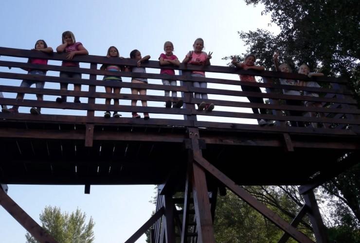 A Fehér-tóhoz túráztak az iskolások