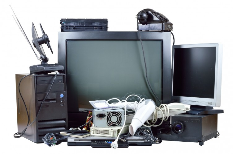 Elektronikai hulladékot gyűjt az óvoda