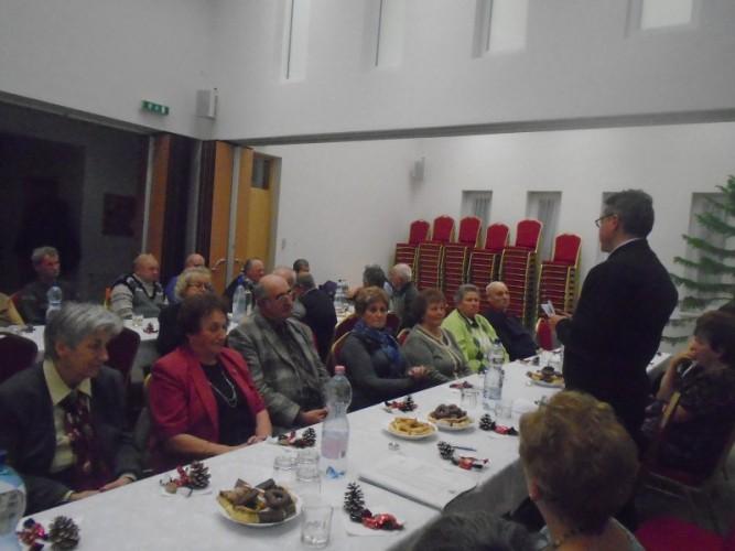 Az adventről szólt a nyugdíjas klub összejövetele