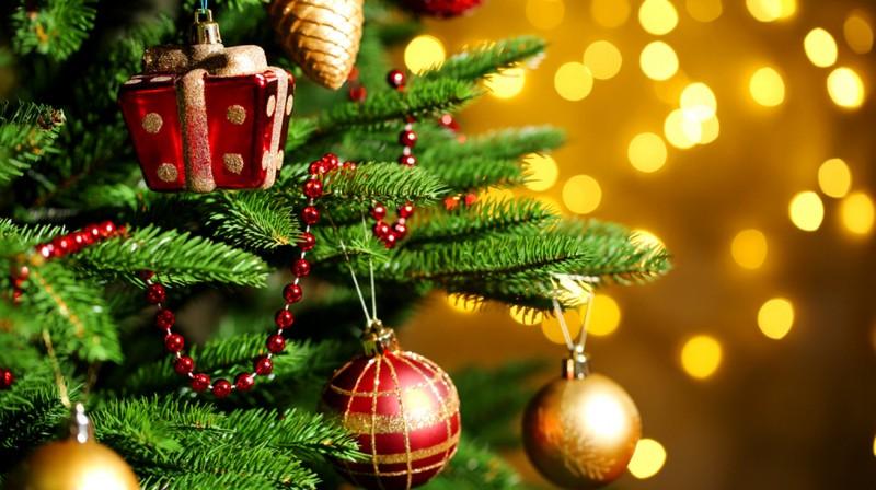 Karácsonyi támogatást kapnak a gyerekek és az idősek
