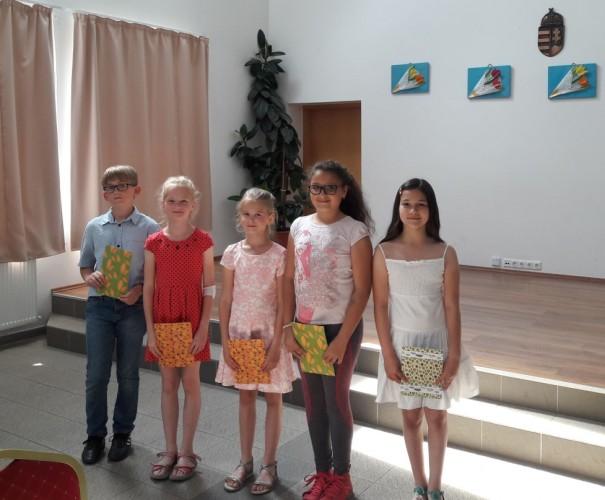 Iskolások szerepeltek a pedagógusnapon