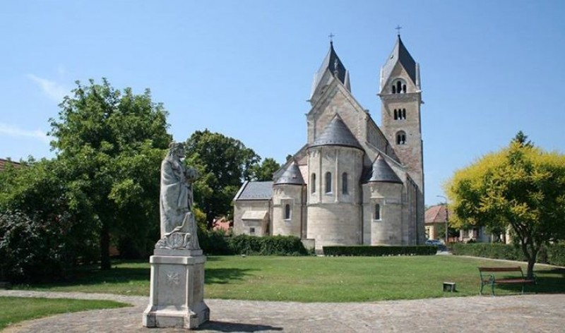 Győrsövényháziak is bérmálkoztak Lébényben