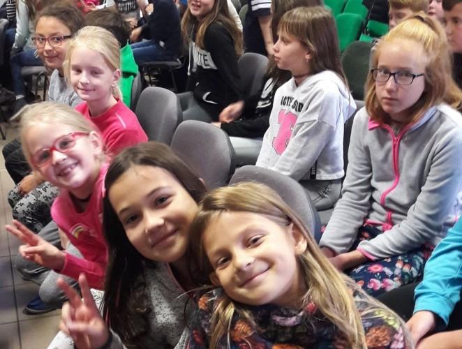Új iskolai képek: emlékezés és koncert