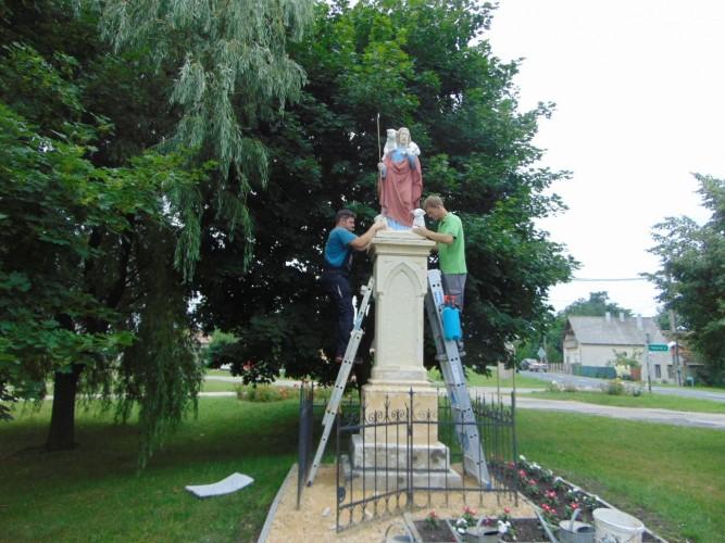 Színesen tért haza a Jó pásztor szobor