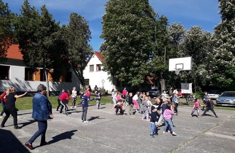 Gyereknapot tartottak az óvodásoknak és az iskolásoknak