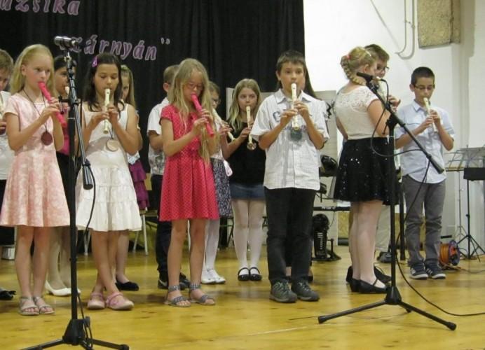 """Győrsövényházi diákok is felléptek """"A muzsika szárnyán"""" zenei fesztiválon"""