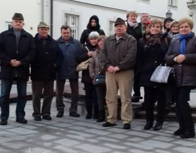 A győri adventi vásárban jártak a győrsövényházi nyugdíjasok