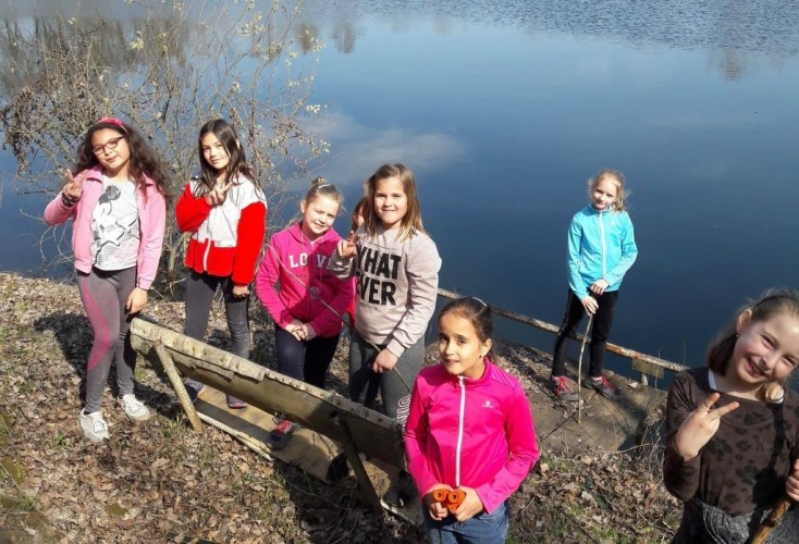 A kavicsbányához túráztak az iskolások